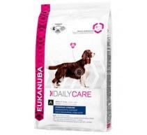 Eukanuba Daily Care Overweight/Sterilized für sterilisierte Hunde mit Übergewicht